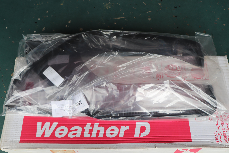 weatherdHilux100_01